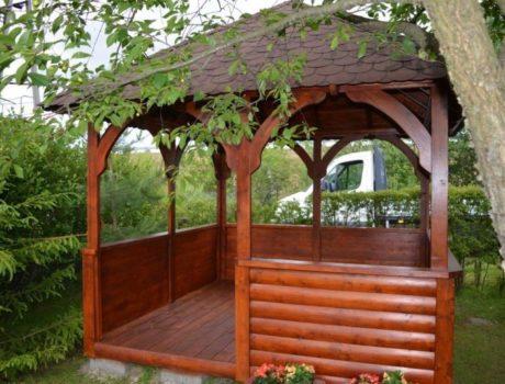 Jaką altankę wybrać do ogrodu?