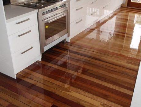 Jak olejowanie wpływa na wygląd drewna?