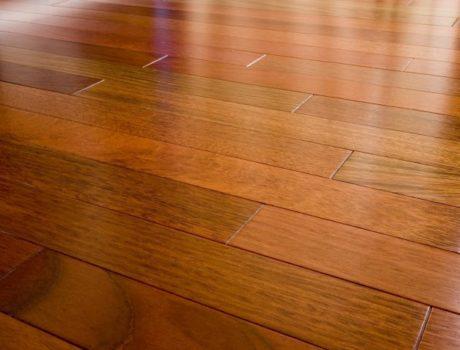 Drewniana podłoga – ciekawe aranżacje